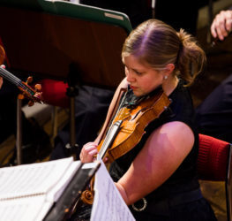 orkestern_violin_Karin