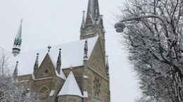 Oscarskyrkan snow